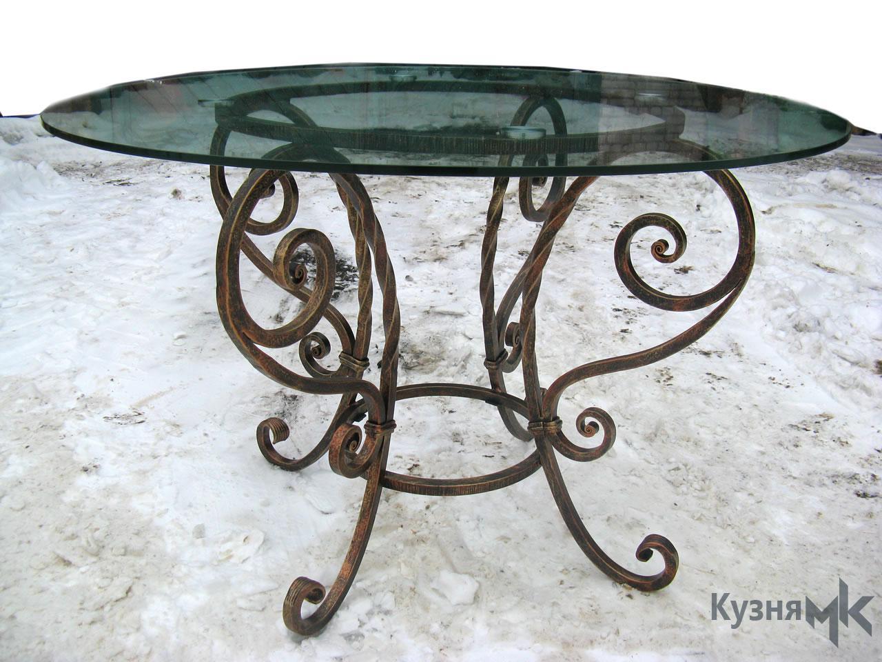 Кований стіл для кухні