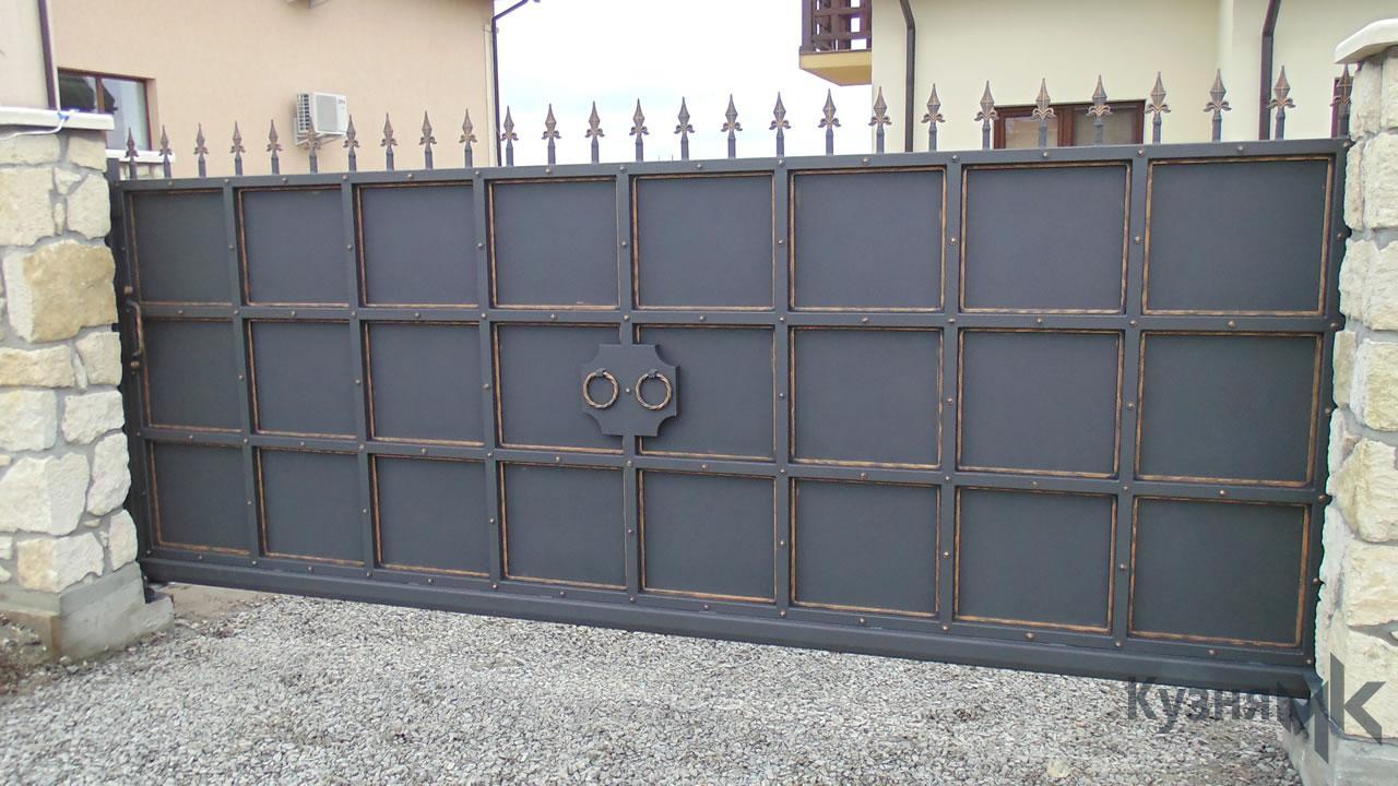 Відкатні ворота в мінімалістичному стилі