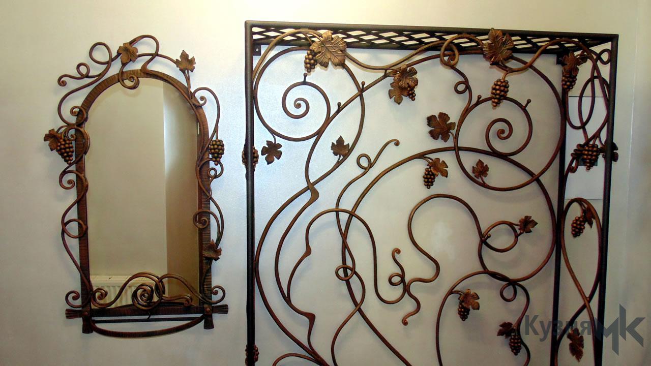 Коване дзеркало з вішаком