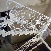 Ковані перила білий метелик