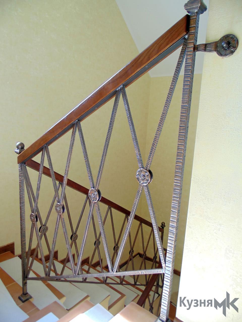 Ковані перила з фактурного металу - модерн