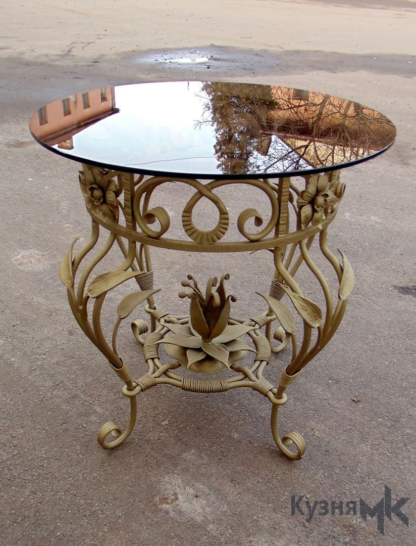 Кований столик з склом