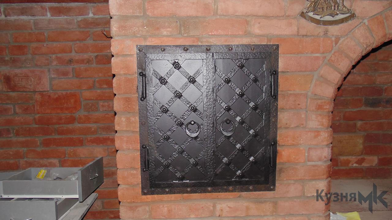 Кована решітка для каміна