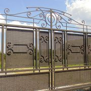 Відкатні ворота обшиті перфорованим листом