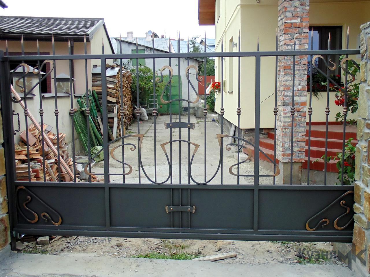 Відкатні ворота G52